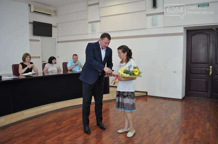 """Двум краматорчанкам присвоили почетное звание """"Мать-героиня""""  , фото-1"""