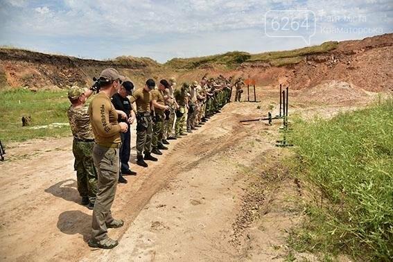 Полиция Донецкой области оттачивает навыки огневой подготовки, фото-6