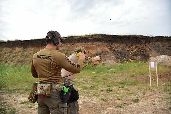 Полиция Донецкой области оттачивает навыки огневой подготовки, фото-5