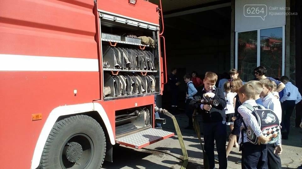 Для детей Краматорска спасатели провели экскурсию в пожарной части, фото-2