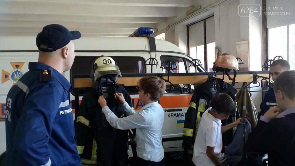 Для детей Краматорска спасатели провели экскурсию в пожарной части, фото-1