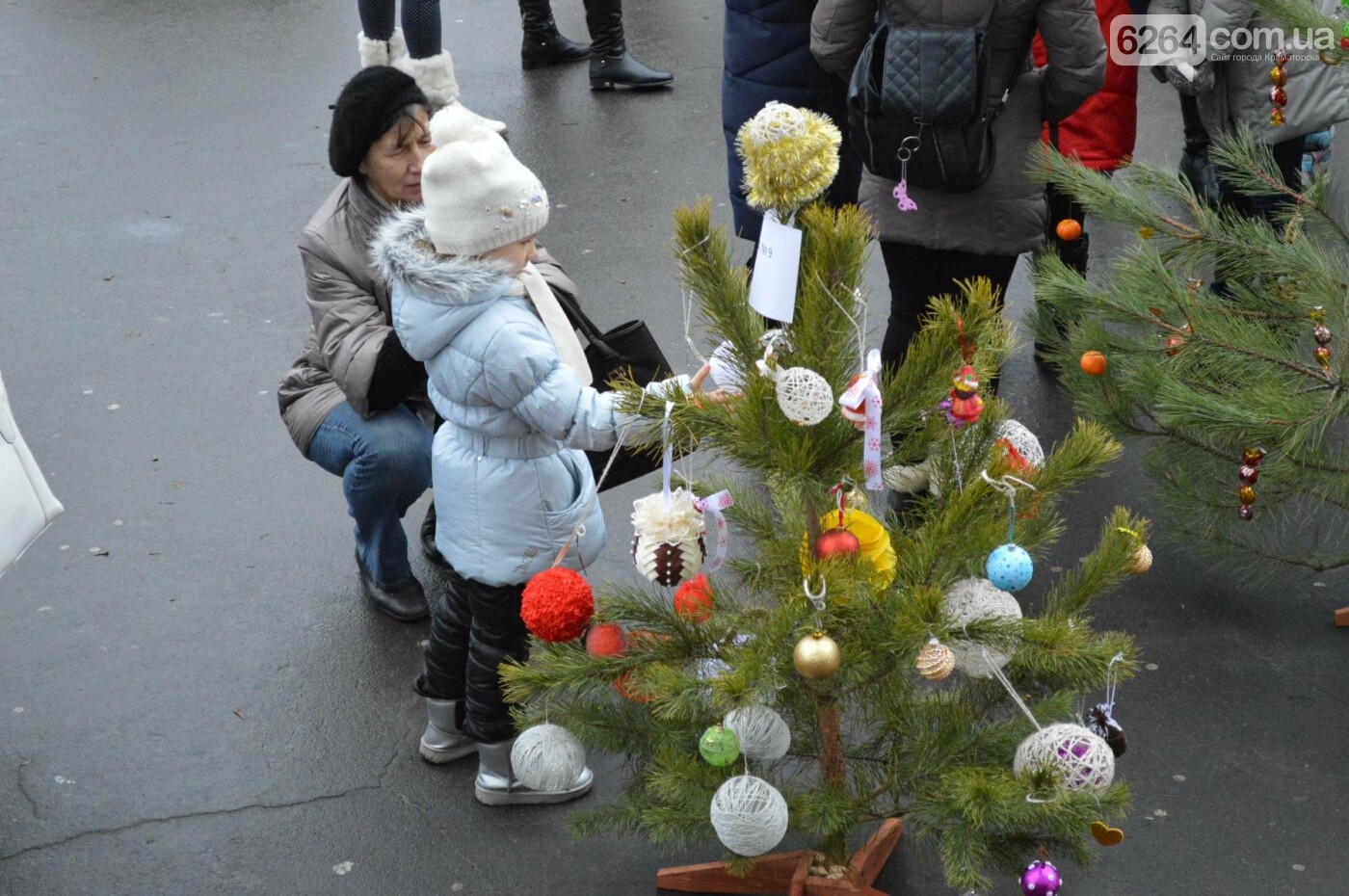 В Краматорске стартовал парад елок, фото-6