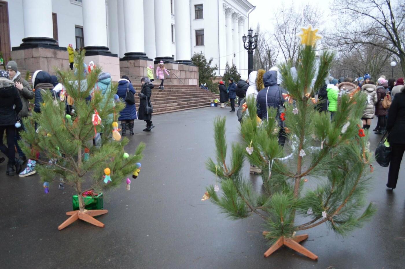 В Краматорске стартовал парад елок, фото-4
