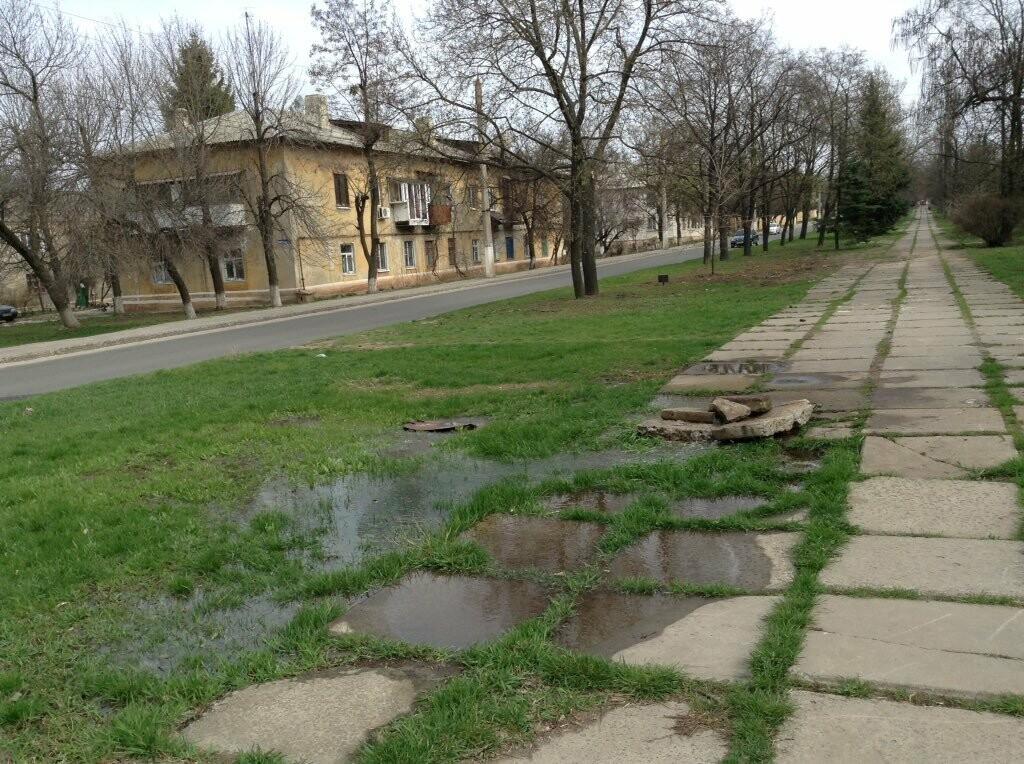 В центре  Краматорска новые ручьи и фонтаны ... из коллекторов , фото-1