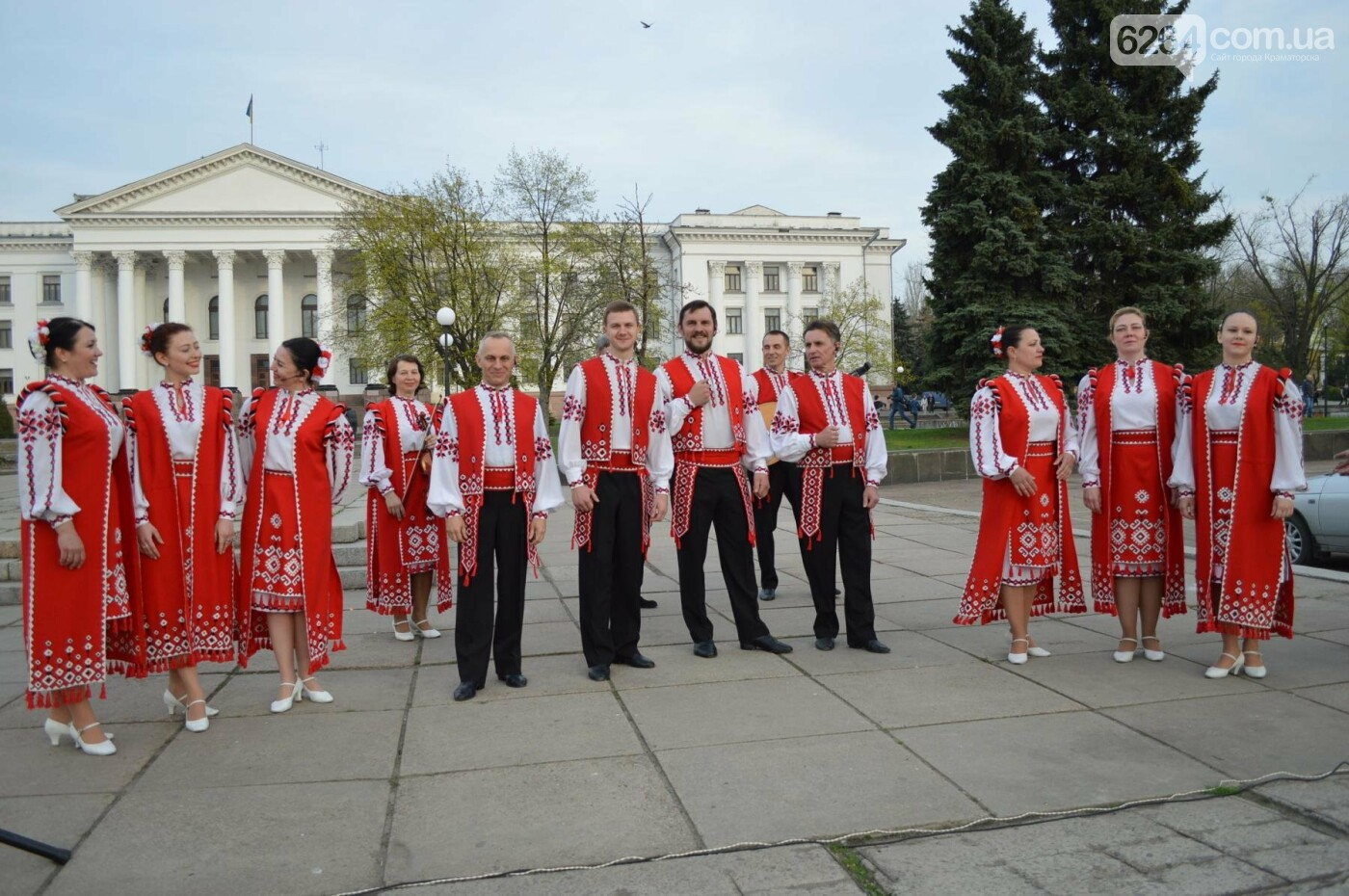 «Хай пам'ятає кремлівська тварина: Краматорськ – це Україна»: центром міста пройшов марш єдності, фото-10