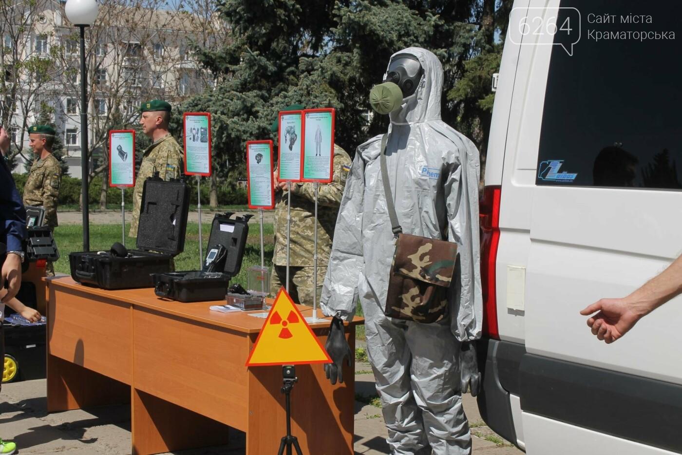 В Краматорске пограничники демонстрируют горожанам вооружение и военную технику , фото-9