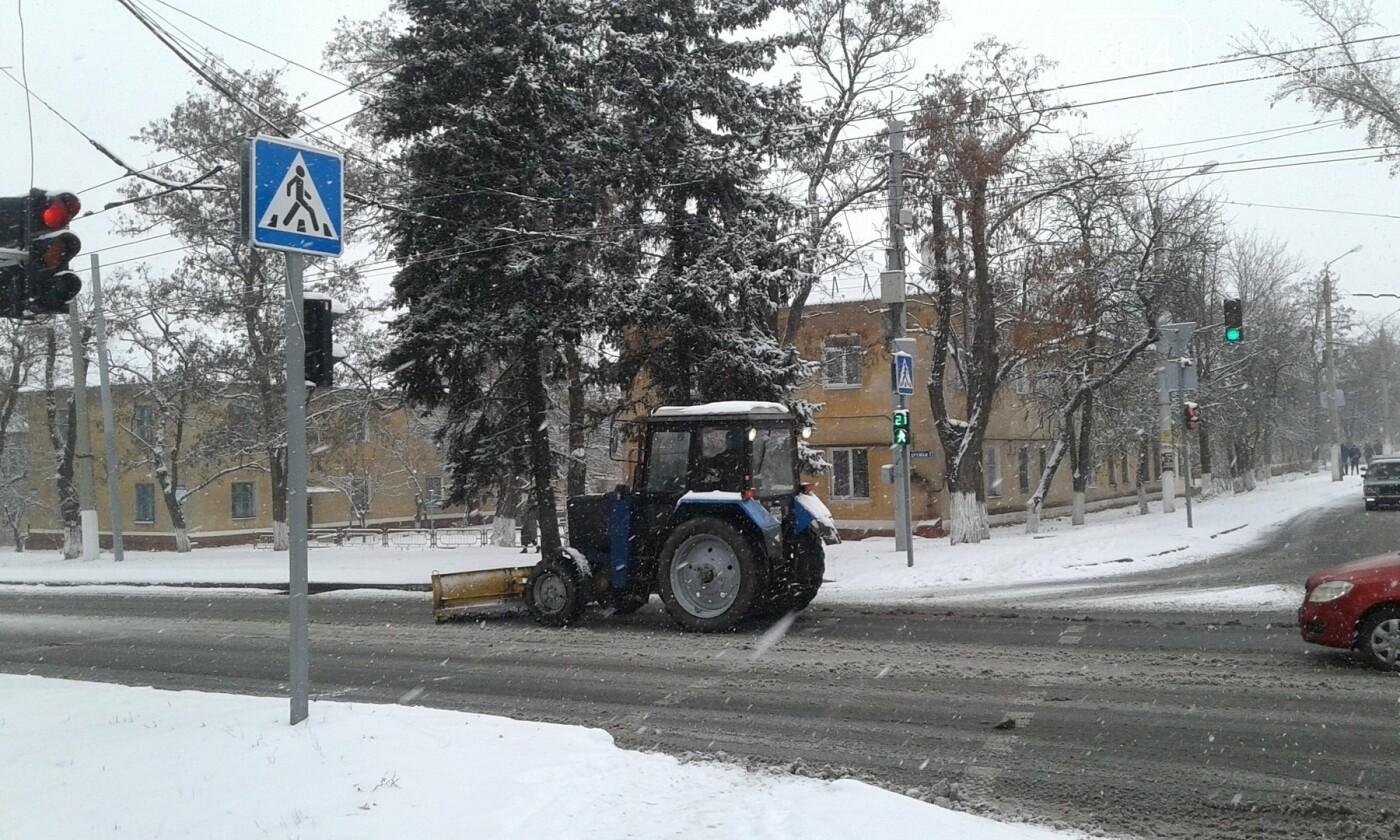 В Краматорске рассказали, как борются с первым снегом, фото-3