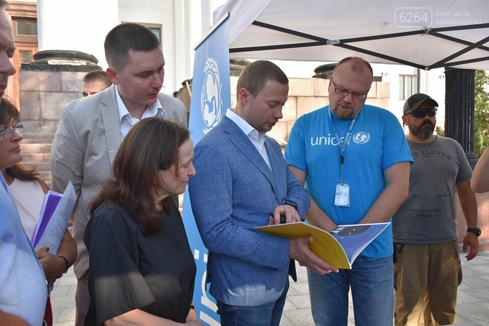 У Краматорську відзначили Всесвітній день гуманітарної допомоги, фото-18