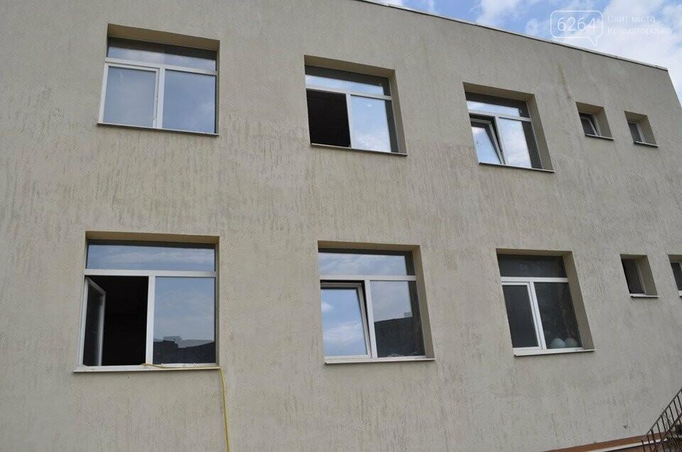 Міський голова перевірив хід виконання ремонтних робіт в ІРЦ та міський лікарні Краматорська, фото-6