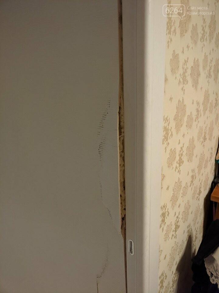 Страшно жить: в Краматорске девятиэтажка трещит по швам, ночью были новые хлопки и расхождения , фото-3