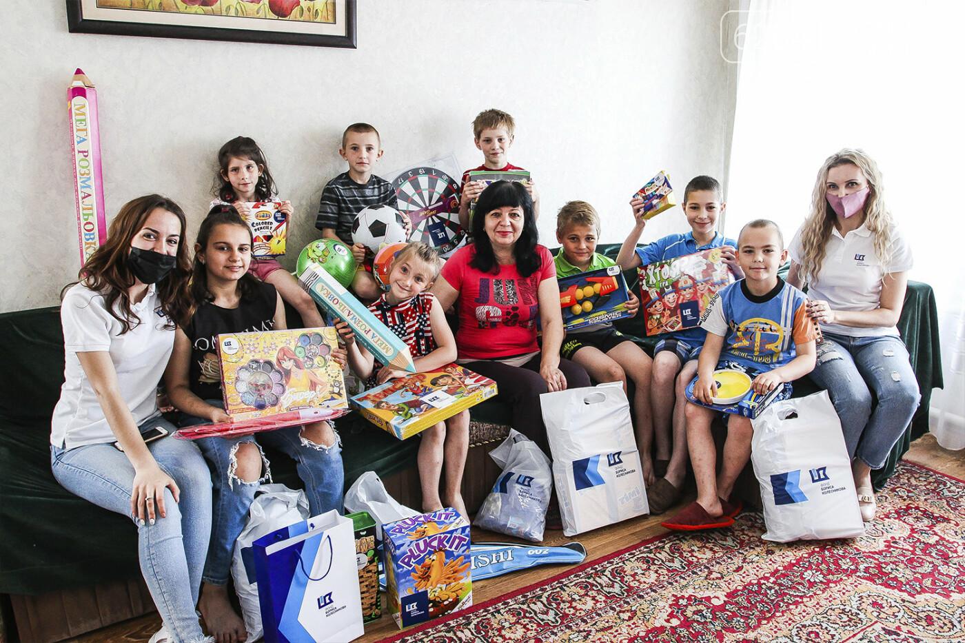 День защиты детей на Донетчине: подарки и поздравления от благотворителей и хоккеистов, фото-5