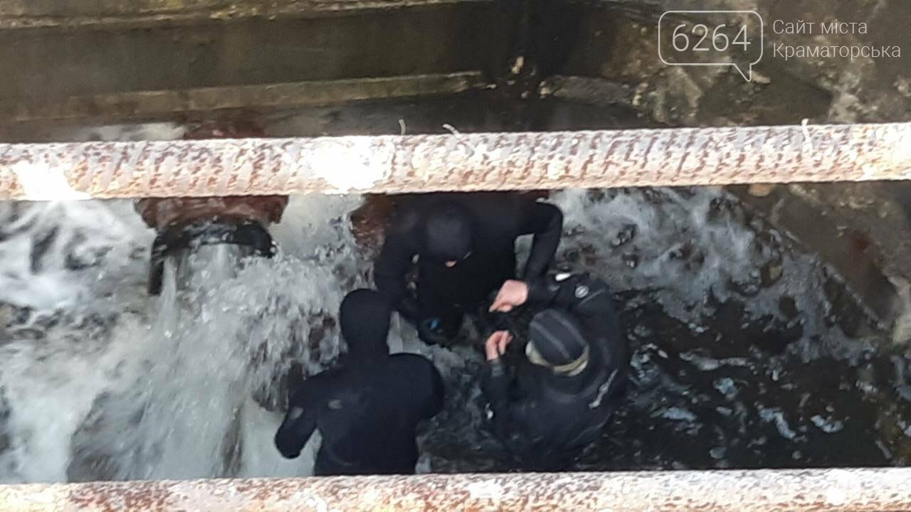 У Краматорському районі  рятувальники здійснили перекачування води для запобігання руйнуванню дамби та виходу води з берегів одного з місц..., фото-2
