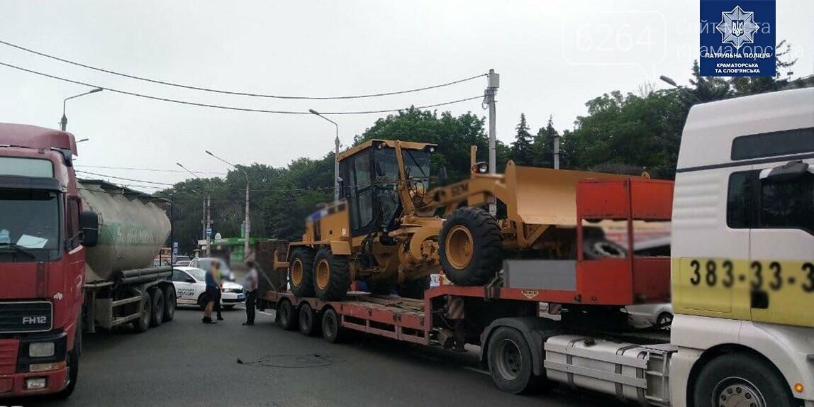 В Краматорске грузовик повредил троллейбусную линию, фото-1