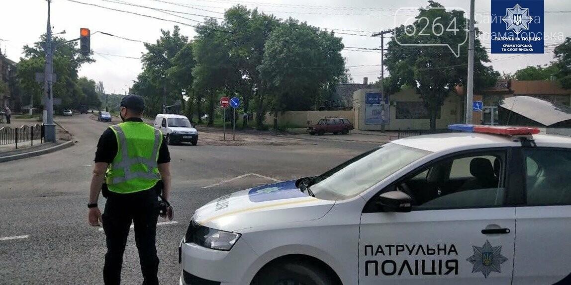 В Краматорске грузовик повредил троллейбусную линию, фото-2