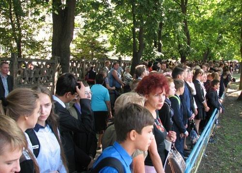Краматорск сегодня прощается с директором 22-й школы Николаем Крупченко, фото-1