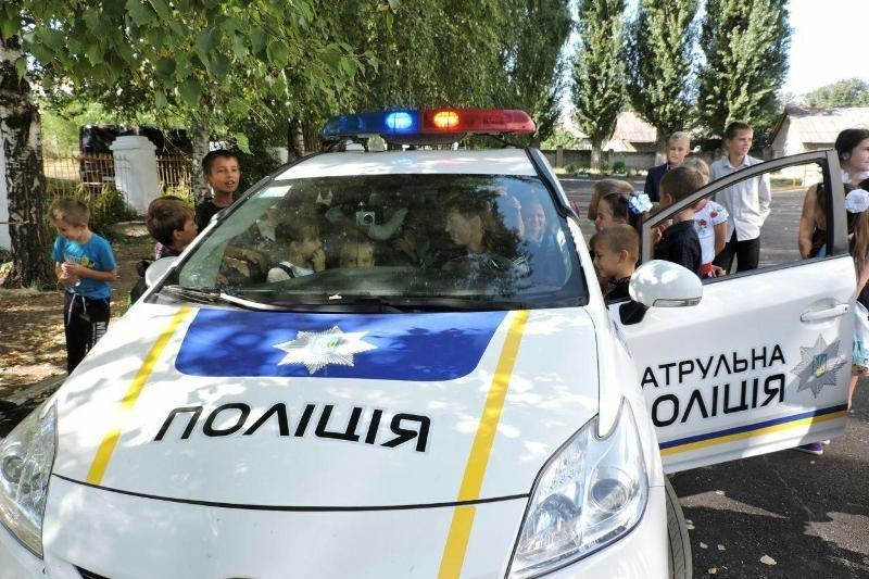 Полицейские повторяли правила дорожного движения с учащимися младших классов, фото-3