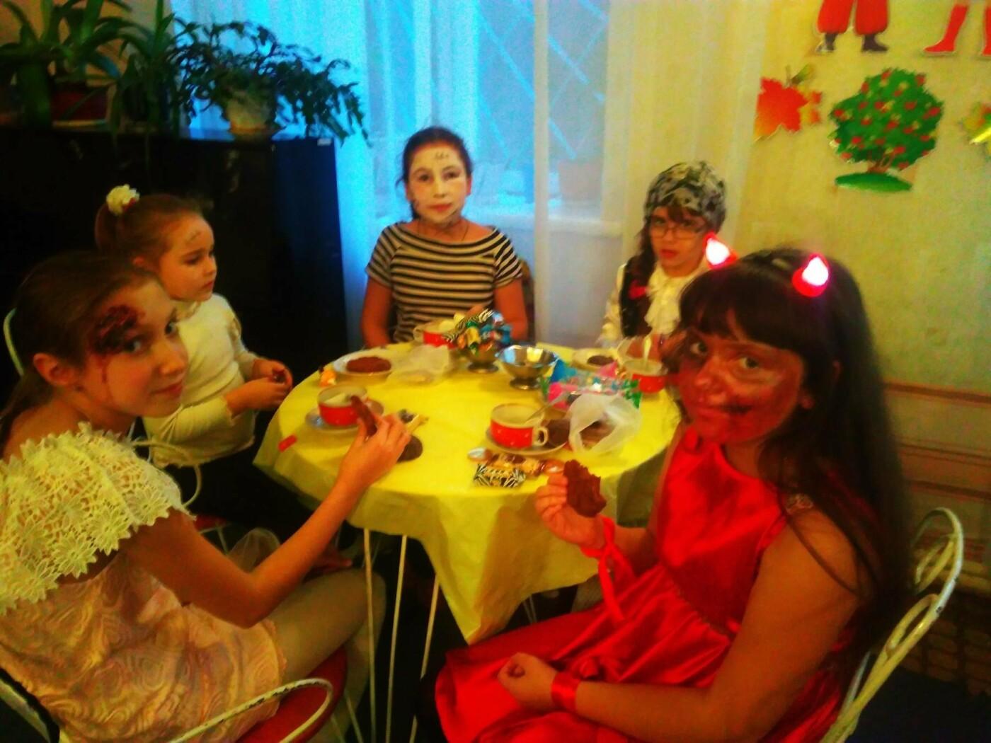 В Краматорске подростки весело и с пользой отметили Хэллоуин, фото-1
