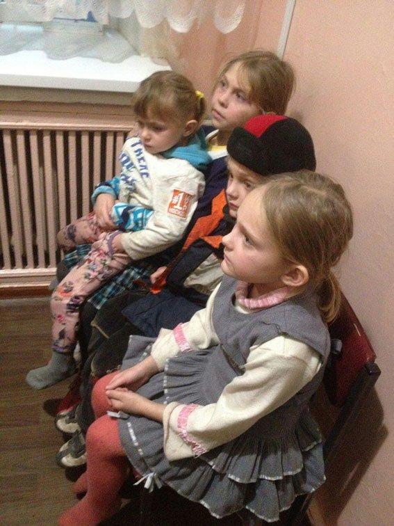 Правоохранители Краматорска спасли четырех детей от замерзания в родном доме, фото-1