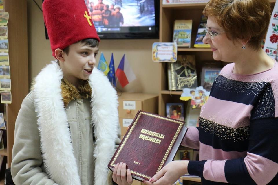 Скауты Краматорска подарили детям праздник Святого Николая, фото-1