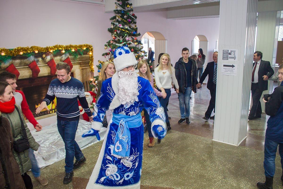 В ДГМА весело отметили День Святого Николая, фото-1