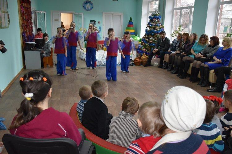 День Святого Николая в Краматорске – время подарков, теплых улыбок и веселья, фото-1