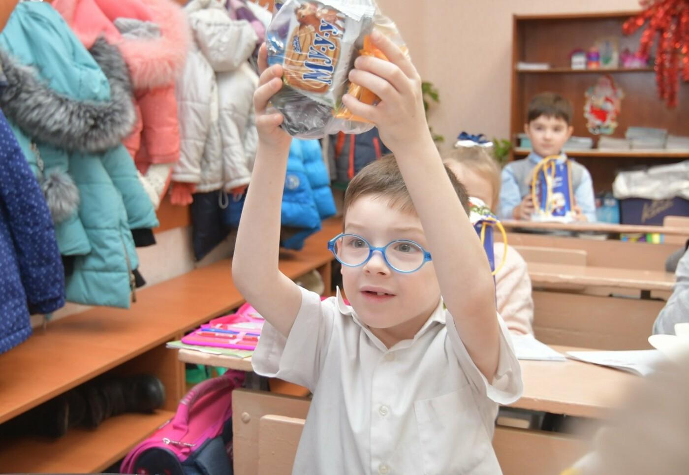 Фонд Бориса Колесникова передал в школы Краматорска сладкие наборы к новогодним праздникам, фото-3