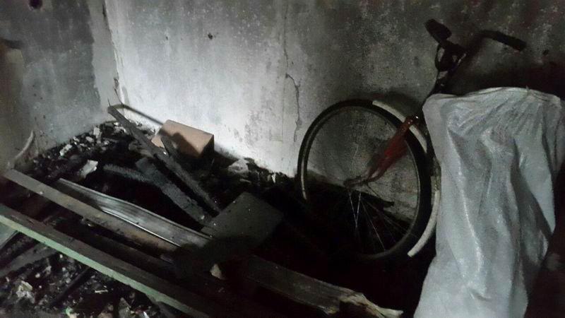 В Краматорске дети жили в грязном и холодном заброшенном доме, спали в санках, фото-2