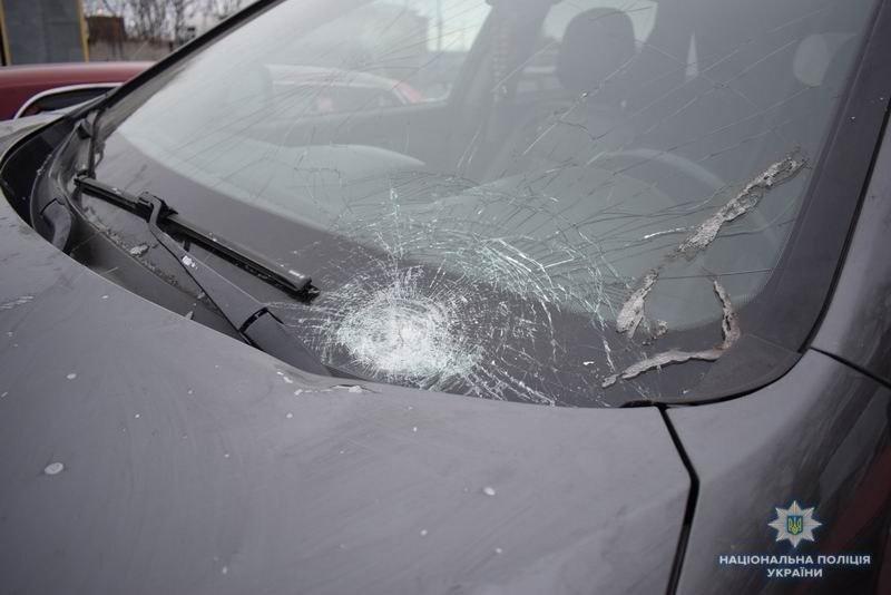 Полицейские нашли водителя из Краматорска, который сбил двух людей и скрылся с места ДТП, фото-1
