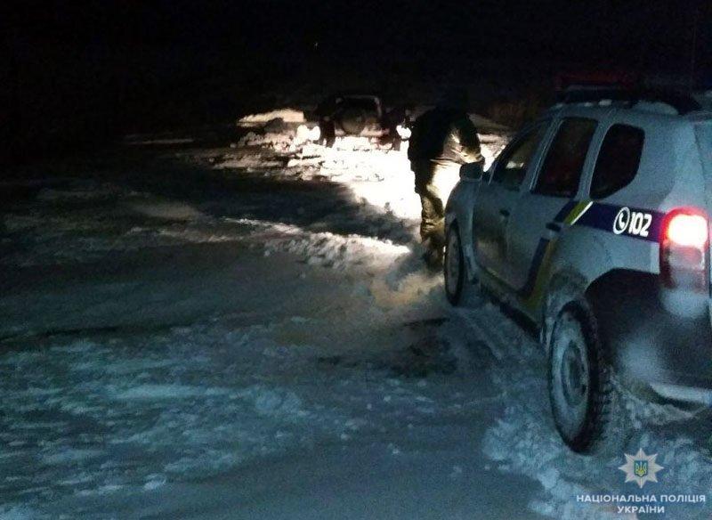 Полиция, спасатели и автодор помогают водителям: ситуация на автодорогах Донетчины, фото-2