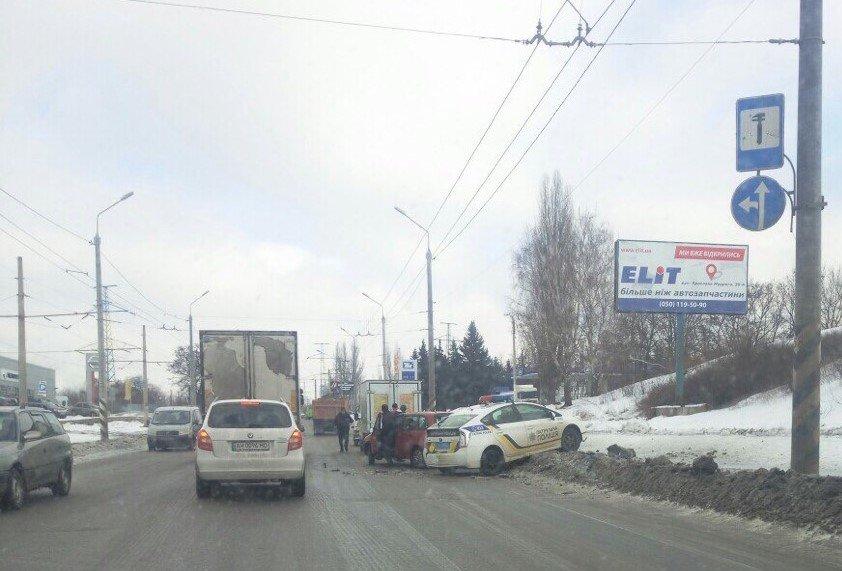 В Краматорске произошло ДТП при участии служебной машины патрульной полиции (ОБНОВЛЕНО), фото-1, Соцсети