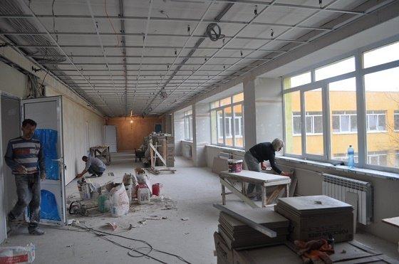 Городской голова проинспектировал выполнение ремонтных работ в Краматорской гимназии, фото-1