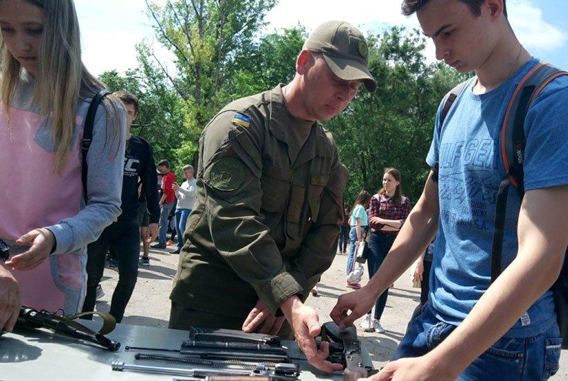 В Краматорске провели военные учебно-полевые сборы для старшеклассников, фото-1
