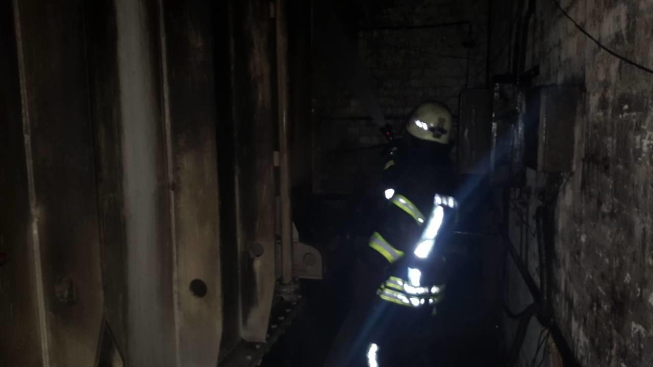 В сталеплавильном цехе НКМЗ произошел пожар, фото-2