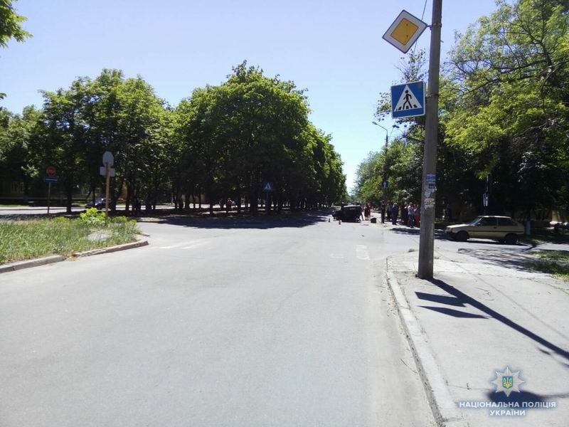 В Краматорске на перекрестке столкнулись два автомобиля, фото-1