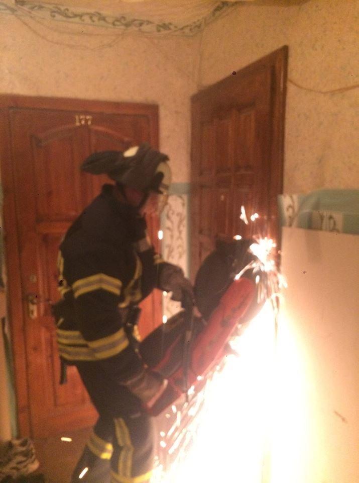 Краматорские спасатели освободили 3-летнего ребенка, который закрылся в квартире, фото-1