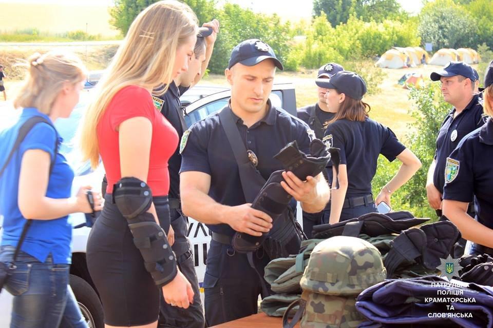 В День Нацполиции патрульные Краматорска и Славянска устроили праздник для всех желающих, фото-4