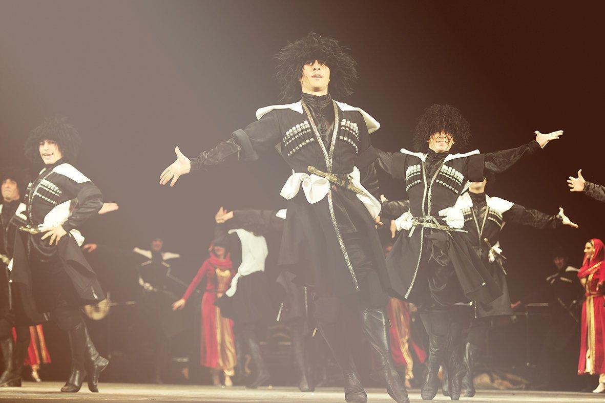 Грузинский ансамбль «Кутаиси» в Краматорске: гостей выступления ждет не только феерия танца, но и головокружительные скидки, фото-3
