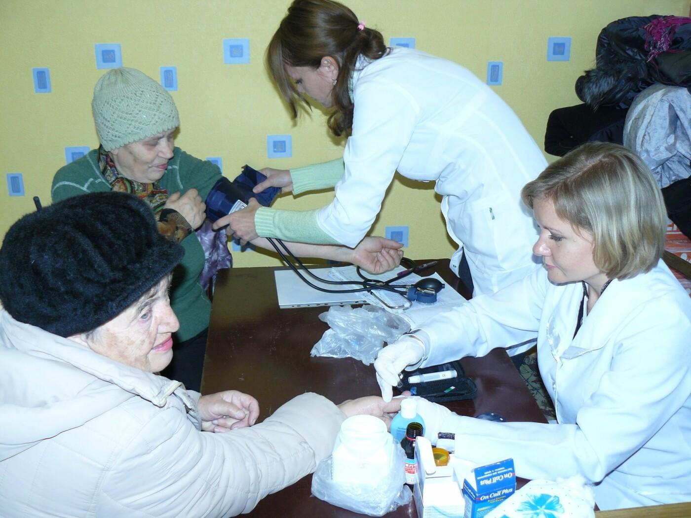 В поселке Беленькое провели акцию по измерению давления и сахара в крови, фото-1