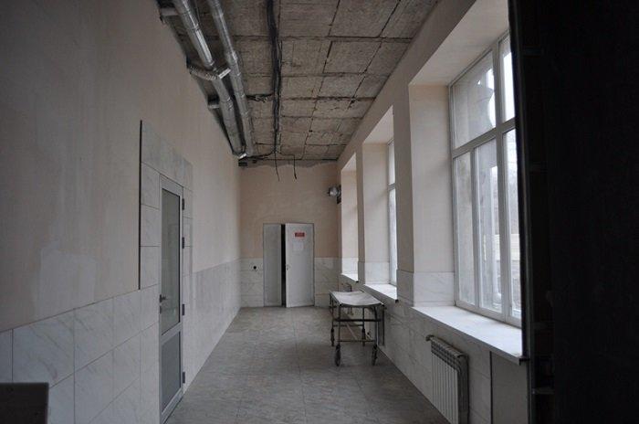 В Краматорске проинспектирован ход реализации капремонта хирургического отделения: планы и объемы работ впечатляют, фото-2